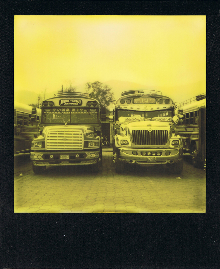 polaroid-black-yellow-antigua-guatemala-jaimelemonde-2
