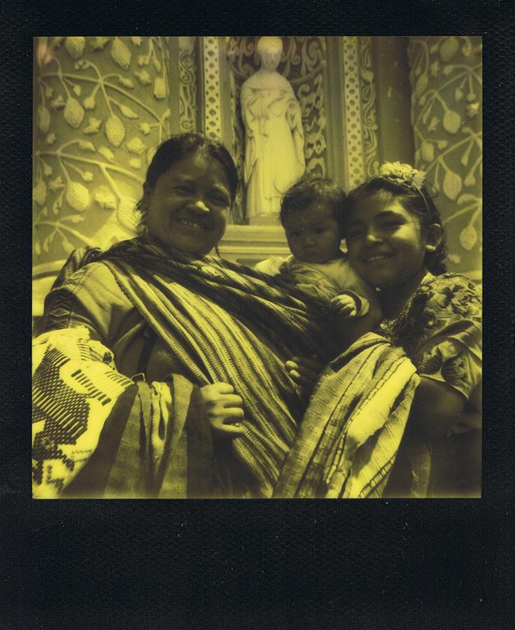 polaroid-black-yellow-antigua-guatemala-jaimelemonde-1