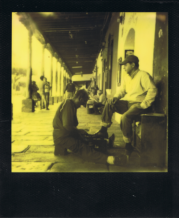 polaroid-black-yellow-antigua-guatemala-jaimelemonde-3