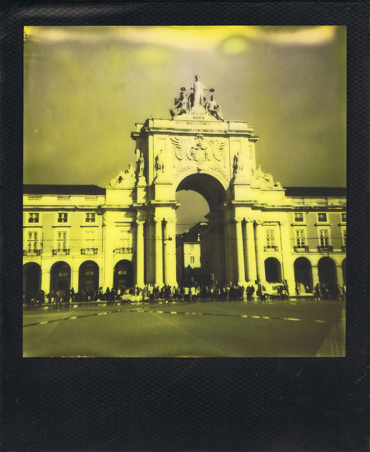 polaroid-black-yellow-lisbonne-jaimelemonde-2