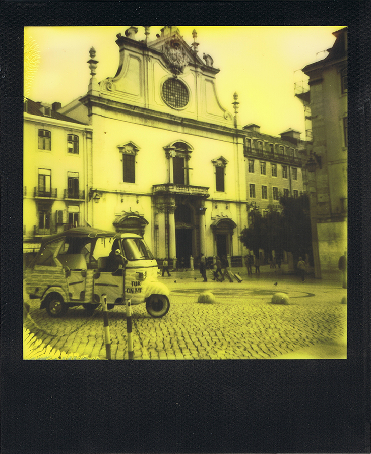 polaroid-black-yellow-lisbonne-jaimelemonde-3