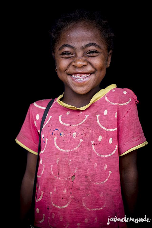 portraits-fond-noir-vohitsaoka-madagascar-jaimelemonde-13