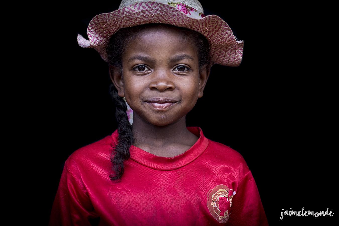 portraits-fond-noir-vohitsaoka-madagascar-jaimelemonde-20