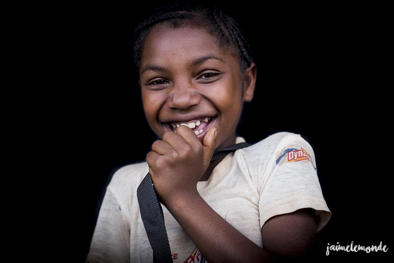 portraits-fond-noir-vohitsaoka-madagascar-jaimelemonde-6