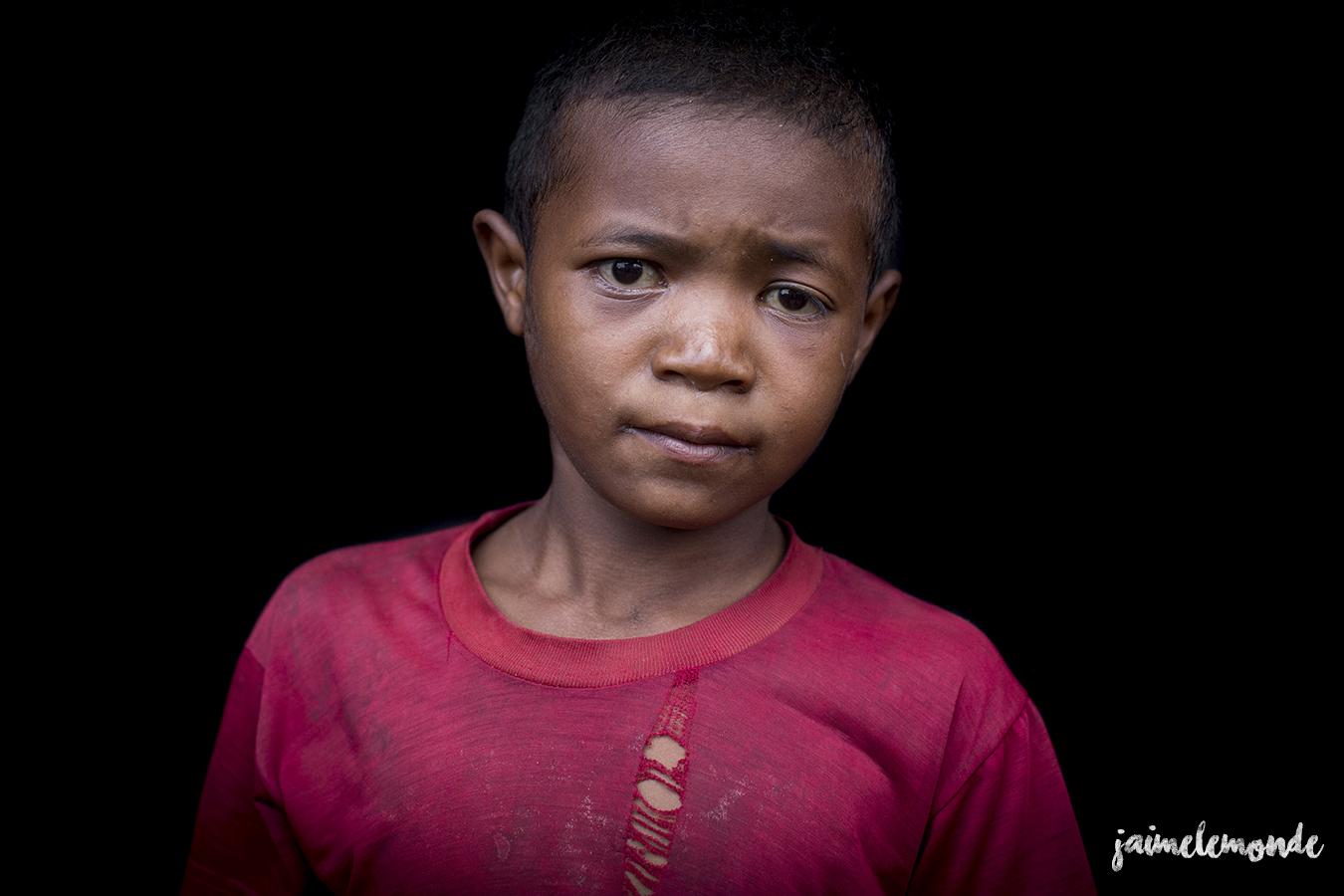 portraits-fond-noir-vohitsaoka-madagascar-jaimelemonde-10
