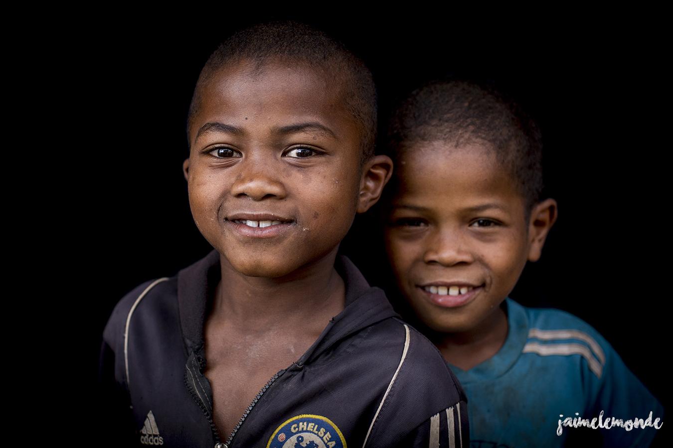 portraits-fond-noir-vohitsaoka-madagascar-jaimelemonde-26