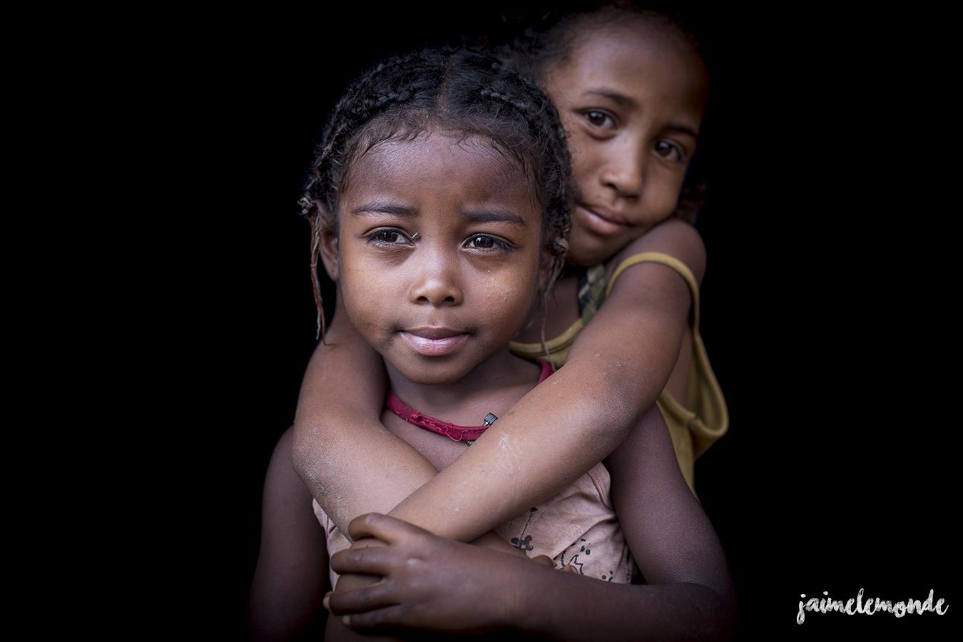 portraits-fond-noir-vohitsaoka-madagascar-jaimelemonde-30