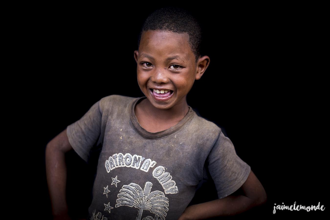 portraits-fond-noir-vohitsaoka-madagascar-jaimelemonde-4