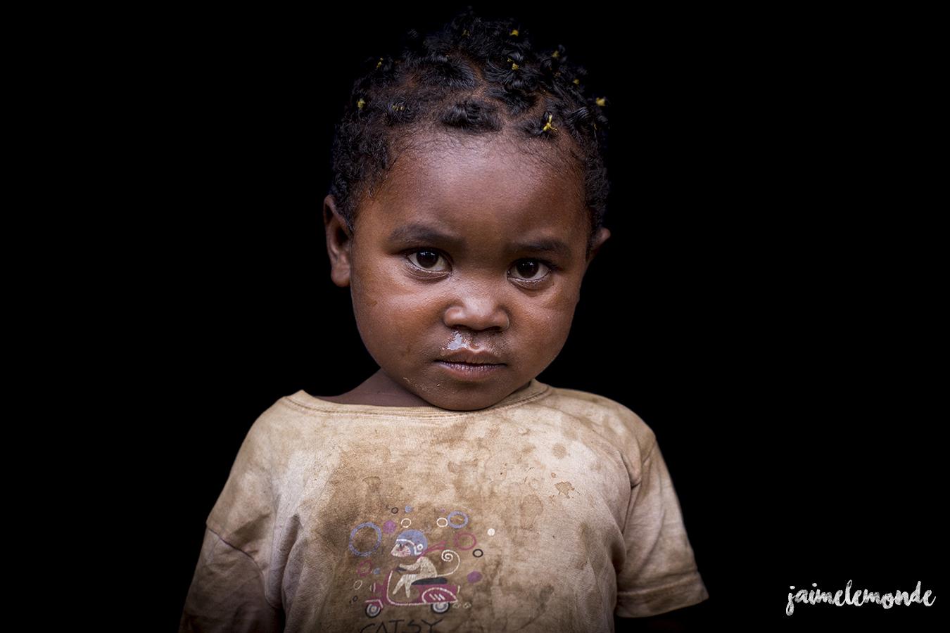 portraits-fond-noir-vohitsaoka-madagascar-jaimelemonde-7