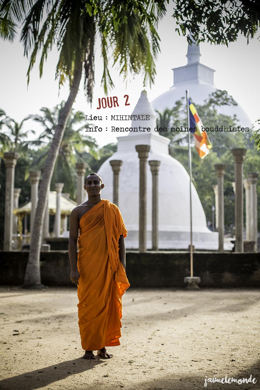 Voyage Sri Lanka - Itinéraire Jour 2 - 9 Mihintale - Rencontre avec les moines - ©jaimelemonde