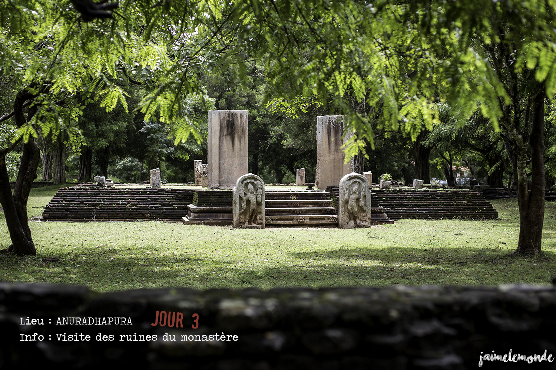 Voyage Sri Lanka - Itinéraire Jour 3 - 8 Anuradhapura - Visite des ruines du monastère Abhayagiri - ©jaimelemonde